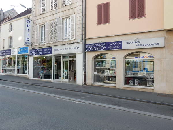 Opticien : Optic Bonnefoy, 79 Rue Victoire de la Marne, 52000 Chaumont