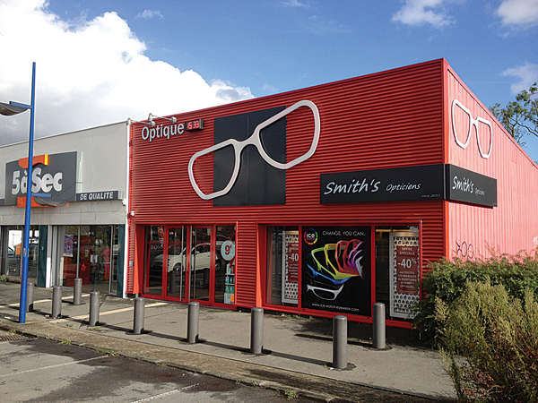 Opticien : SMITH'S OPTICIENS, Zone comme BOULEVARD D'HALLUIN , 59223 RONCQ