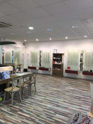 Opticien : CENTRE OPTIQUE MELIN, 6bis RUE PAUL AUBAN                  , 21310 MIREBEAU SUR BEZE