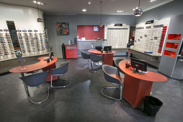 Opticien : HAHN OPTICIENS, 8 Rue du 8 mai 1945 , 26800 PORTES LES VALENCE