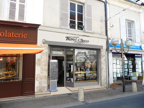 Opticien : REGARD D'ANTAN, 8 Rue Jean Moulin, 28200 CHATEAUDUN