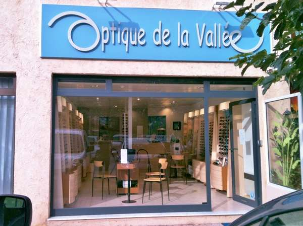Opticien : OPTIQUE DE LA VALLEE, 9 Avenue Alexandre Barety, 06260 PUGET THENIERS