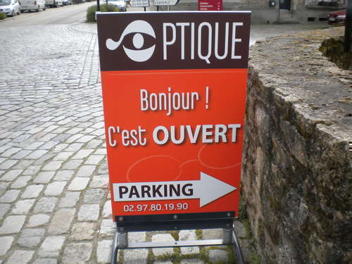 Opticien : PONT - SCORFF OPTIQUE Opticienne Visagiste, 16 Place du Treano, 56620 PONT - SCORFF