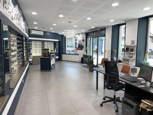 Opticien : OPTIQUE DU CHARVIN, 19 AVENUE PAUL GIROD, 73400 UGINE