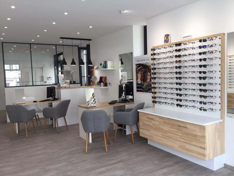 Opticien : LE FOUSSERET OPTIQUE, 12 PLACE DE LA HALLE, 31430 LE FOUSSERET
