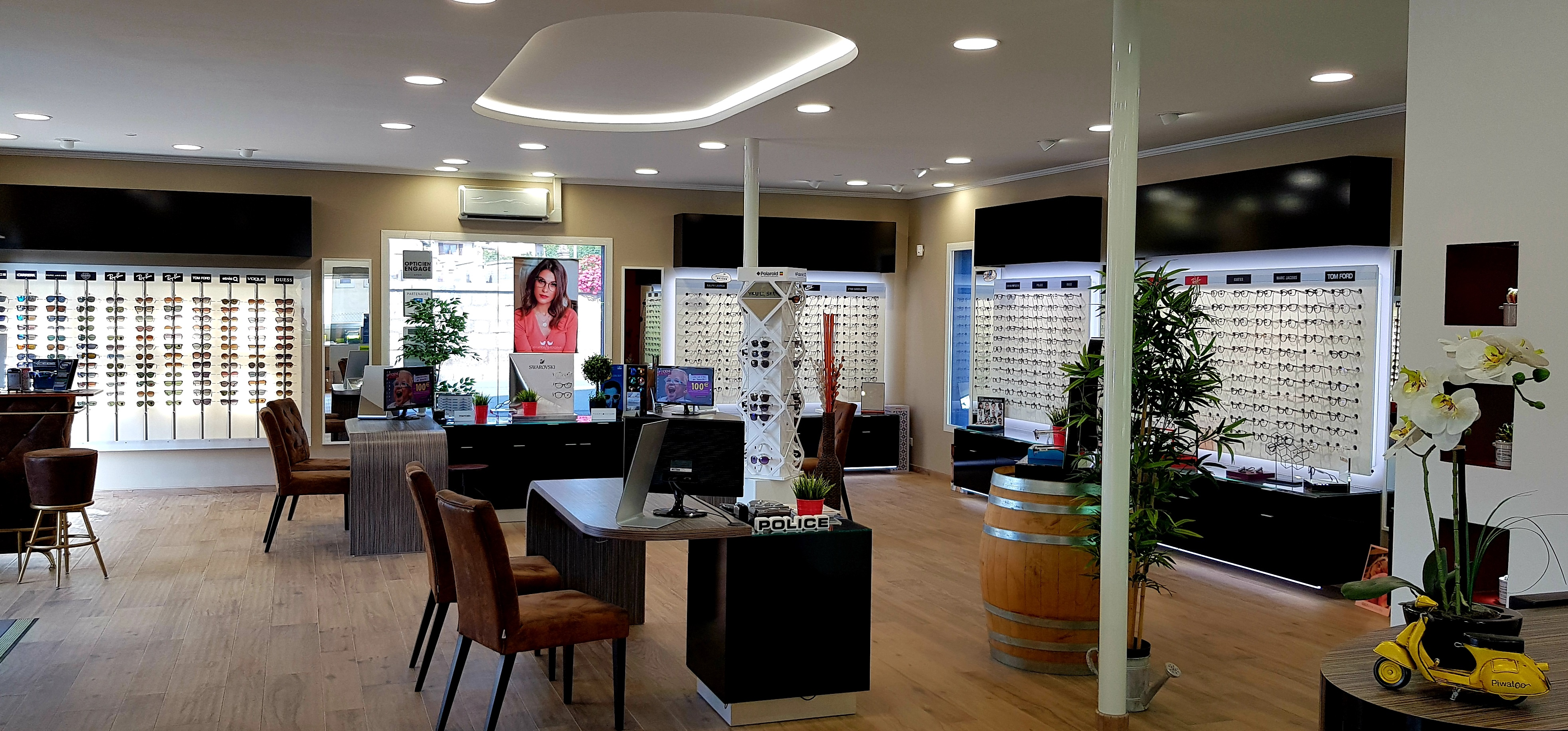 Opticien : L'ATELIER OPTIQUE, 3 PLACE DU 18 NOVEMBRE 1944, 90600 GRANDVILLARS