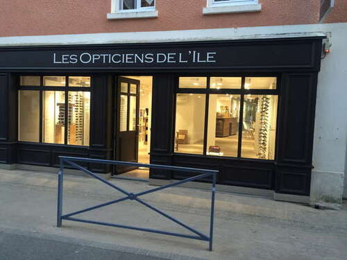 Opticien : LES OPTICIENS DE L'ILE, 40 RUE JOSEPH LE BRIX, 56360 LE PALAIS