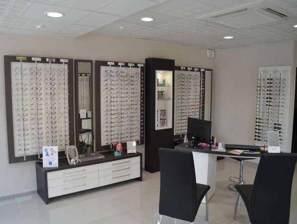 Opticien : MANEGE A REGARDS, 100 RUE DU COLONEL BENTO ROMA, 62136 LA COUTURE
