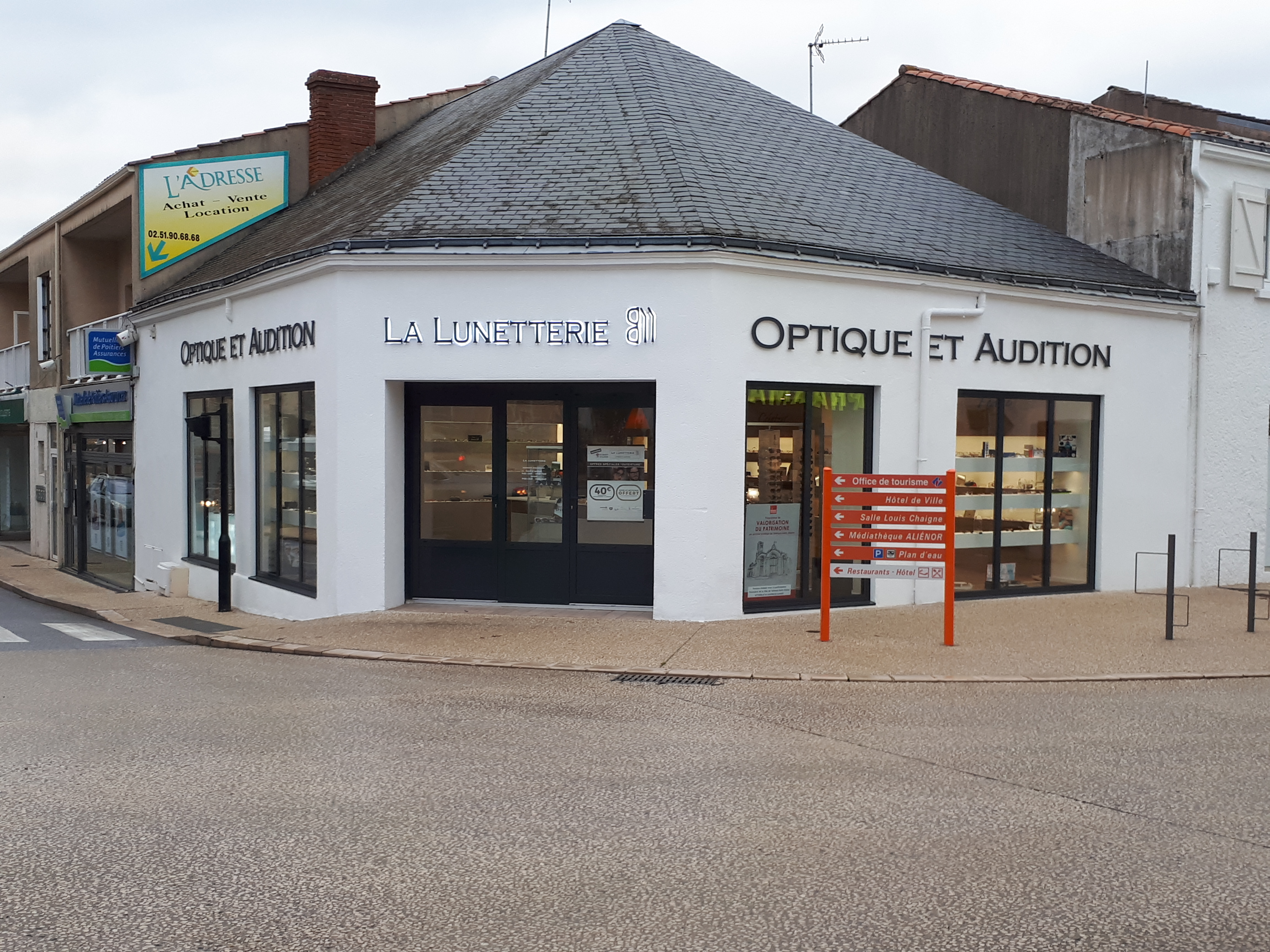 Opticien : LA LUNETTERIE, 2 Rue nationale, 85440 Talmont-Saint-Hilaire