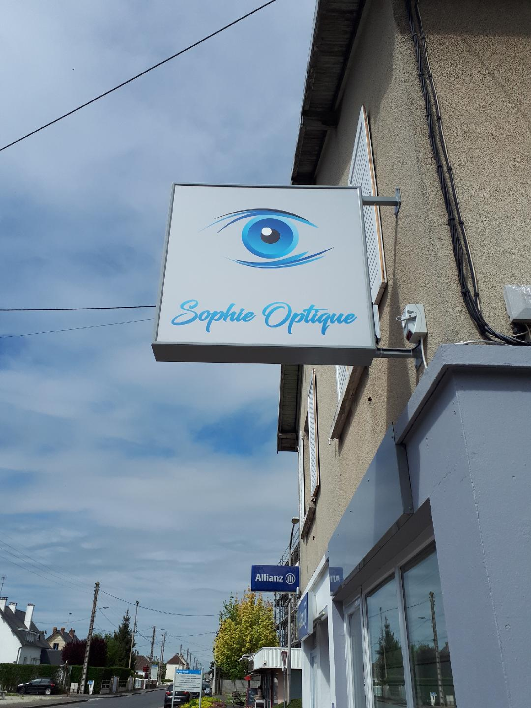 Opticien : SOPHIE OPTIQUE, 140 AVENUE JEAN JAURES, 14270 MEZIDON VALLEE D'AUGE