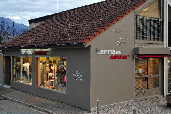 Opticien : OPTIQUE RIVIERE, 9 Place du Gresivaudan, 38330 ST ISMIER