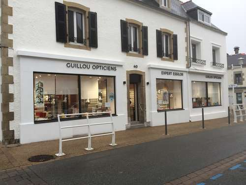 Opticien : GUILLOU OPTICIENS, 40 RUE DE LA MARINE, 29730 LE GUILVINEC