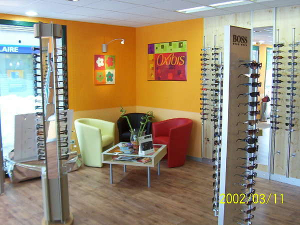 Opticien : OPTIQUE DES 4 VILLAGES,  Place Centrale, 39220 LES ROUSSES
