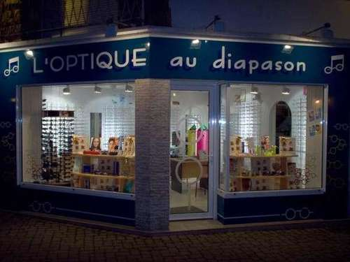 Opticien : L'OPTIQUE AU DIAPASON, 1 Place de l'église, 56390 GRAND CHAMP