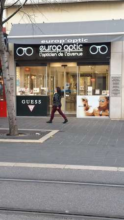 Opticien : EUROP ' OPTIC, 52 Avenue Jean Medecin, 06000 NICE