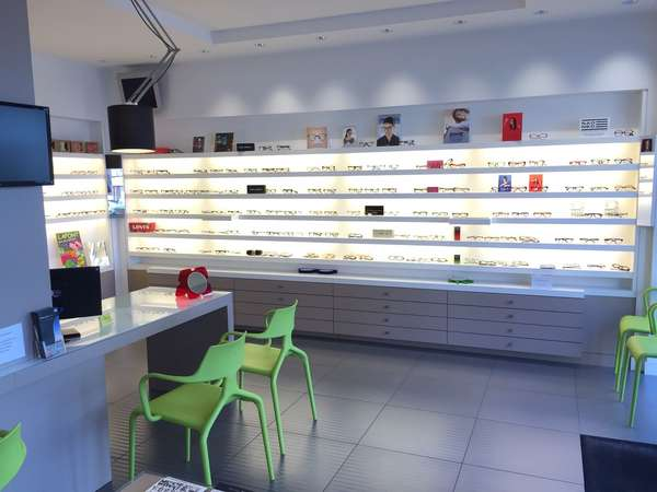 Opticien : OPTICA  DUBERTRAND, 37 Avenue des écoles, 06110 LE CANNET ROCHEVILLE