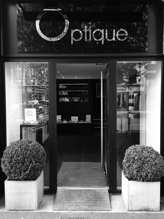 Opticien : L'art Lunetier, 22 Place Victor Hugo, 62500 Saint-Omer