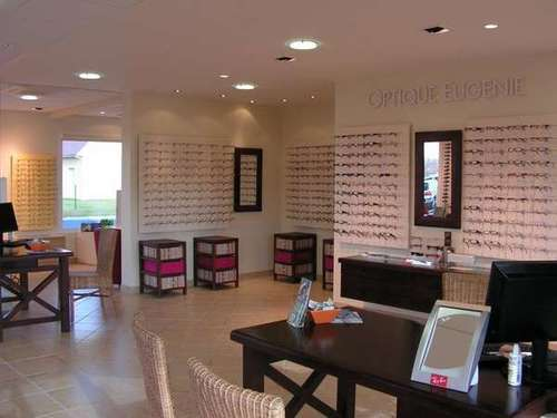 Opticien : OPTIQUE EUGENIE LESCAR, 4 Rue Severin Lacoste, 64230 LESCAR