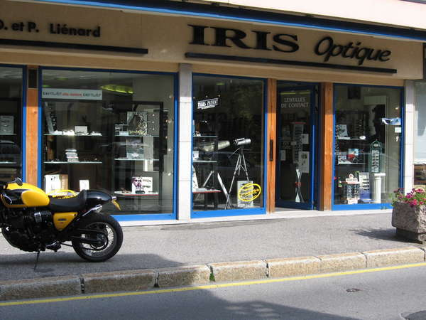 Opticien : IRIS OPTIQUE,  294 Rue Joseph Vallot, 74400 CHAMONIX MONT BLANc
