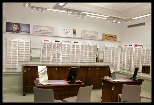 Opticien proposant la marque CHANTAL THOMASS : VISION CONTACT, 64 RUE DE MIROMESNIL, 75008 PARIS