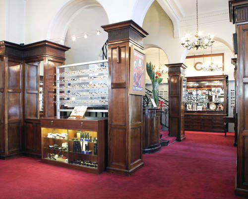 Opticien proposant la marque GOLD & WOOD : E.B. MEYROWITZ OPTICIENS, 5 Rue de Castiglione, 75001 PARIS