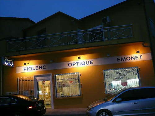 Opticien : PIOLENC OPTIQUE EMONET, 1717 Avenue de Provence, 84420 PIOLENC