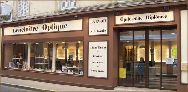 Opticien : LENCLOÎTRE OPTIQUE, 31 Grand Rue, 86140 LENCLOITRE