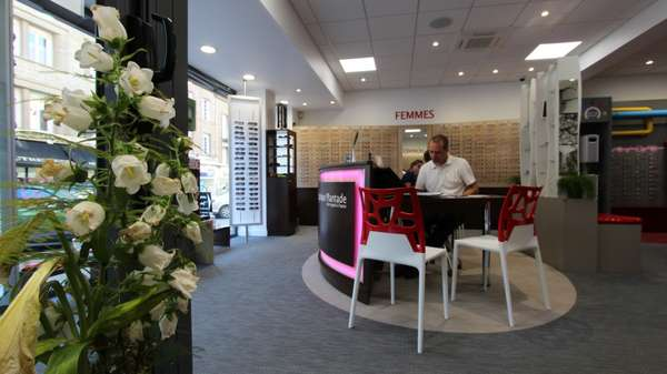 Opticien : OPTIQUE PLANTADE, 12 Boulevard Jean Jaures, 35300 FOUGERES