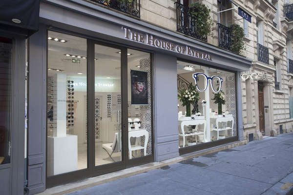 Opticien proposant la marque CHROME HEARTS : House of Eyewear/Plus Belles Lunett,  30 rue de la tremoille, 75008 PARIS