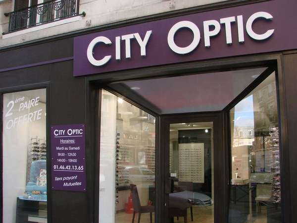 Opticien : OPTICREA, 33 Rue Porte aux Saints, 78200 MANTES LA JOLIE